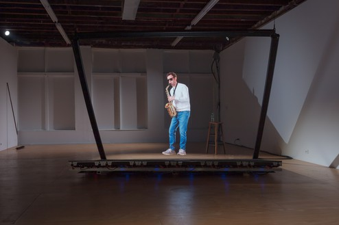 Alex Israel, Solo, 2019 Holographic video installation, overall dimensions variableInstallation view, Reena Spaulings Fine Art, New York© Alex Israel