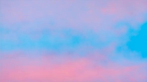 Alex Israel, Sky Backdrop, 2013 Acrylic on canvas, 108 × 192 × 4 inches (274.3 × 487.7 × 10.2 cm), Museum of Modern Art, New York© Alex Israel
