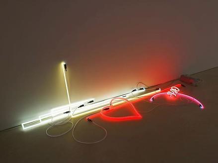 Anselm Reyle, Ausstellungsraum Céline und Heiner Bastian, Berlin, 2010 Arise, exhibition view