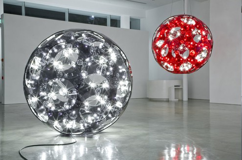 Installation view, Carsten Höller: Reindeers & Spheres, Gagosian, Beverly Hills, California, 2009 Artwork © Carsten Höller. Photo: Joshua White