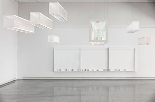 Installation view, Edmund de Waal / Giorgio Morandi, Artipelag, Gustavsberg, Sweden, 2017 Artwork © Edmund de Waal. Photo: Jean Baptiste Berange