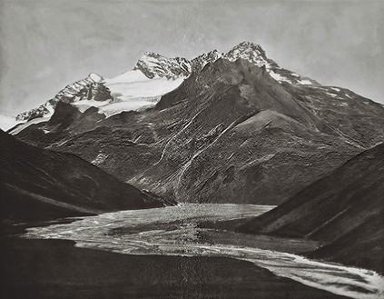 Florian Maier-Aichen, Untitled, 2008 Gelatin silver printing-out paper print, 23 ⅜ × 27 ¼ inches (59.4 × 69.2 cm), edition of 6