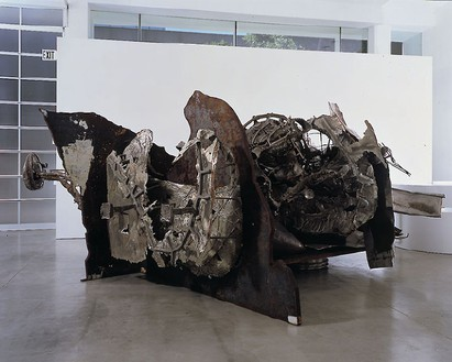 Frank Stella, Bear Mountain, 1995 Stainless steel, carbon steel, and bronze, 98 × 214 ½ × 214 ½ inches (52.9 × 544.8 × 544.8 cm)Photo by Susan Einstein