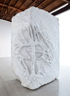 Giuseppe Penone, Anatomia (Anatomy), 2011 White Carrara marble, 124 × 77 × 62 inches (315 × 195.6 × 157.5 cm)© Archivio Penone. Photo: Benjamin Lee Ritchie Handler