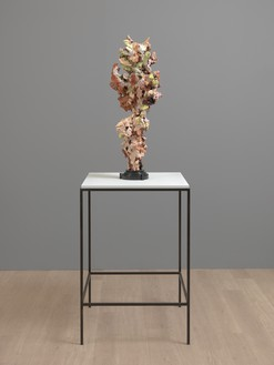 Glenn Brown, Woman II, 2015 Oil paint over acrylic, steel structure and bronze with marble base and vitrine, 38 ⅝ × 13 ¾ × 13 ¾ inches (98 × 35 × 35 cm)© Glenn Brown. Photo: Mike Bruce