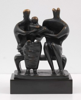 Henry Moore, Family Group, 1945 Bronze, 11 × 5 × 8 inches (27.9 × 12.7 × 20.3 cm)