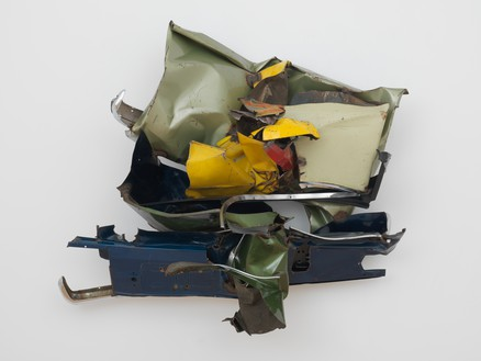 John Chamberlain, Blue Flushing, 1975 Painted and chrome-plated steel, 59 × 63 × 27 inches (149.9 × 160 × 68.6 cm)© 2018 Fairweather & Fairweather LTD/Artists Rights Society (ARS), New York