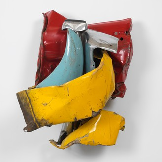 John Chamberlain, Untitled, 1965 Painted and chrome-plated steel, 43 × 35.5 × 26 inches (109.2 × 90.2 × 66 cm)© 2018 Fairweather & Fairweather LTD/Artists Rights Society (ARS), New York