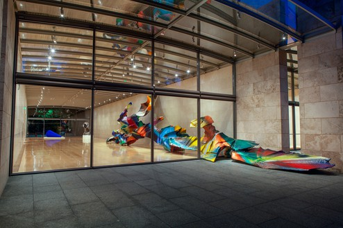 Katharina Grosse, Wunderblock, 2013 Acrylic on canvas, soil, and wall, 14 feet 1 ⅜ inches × 8 feet 6 ⅜ inches × 66 feet 11 ¼ inches (4.3 × 2.6 × 20.4 cm), Nasher Sculpture Center, Dallas, Texas, June 1–September 1, 2013© Katharina Grosse und VG Bild-Kunst, Bonn, 2018. Photo: Kevin Todora