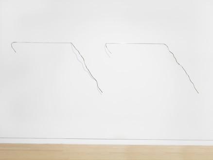 Neil Jenney, Linear Piece, 1967 Aluminum, 65 × 35 × 6 ½ inches (165.1 × 88.9 × 16.5 cm)© Neil Jenney