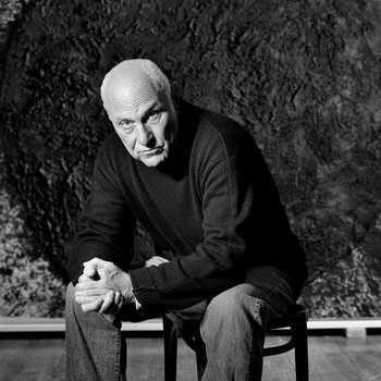 A portrait photograph of Richard Serra