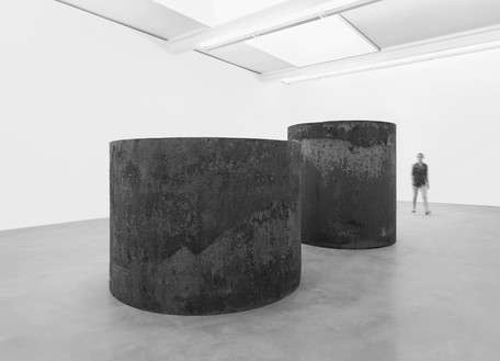 Richard Serra, Rounds: Equal Weight, Unequal Measure, 2016 Forged steel, 2 rounds, overall: 6 feet 10 ½ inches × 17 feet 4 ½ inches × 7 feet 4 ½ inches (209.6 cm × 5.3 m × 224.8 cm)© 2018 Richard Serra/Artists Rights Society (ARS), New York. Photo: Mike Bruce
