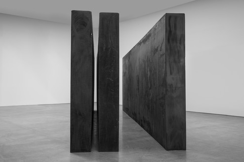 Richard Serra, Through, 2015 Forged steel, 3 slabs, overall: 9 feet 2 ¼ inches × 29 feet 6 ½ inches × 7 feet 8 ¼ inches (2.8 m × 9 m × 234.3 cm)© 2018 Richard Serra/Artists Rights Society (ARS), New York. Photo: Cristiano Mascaro