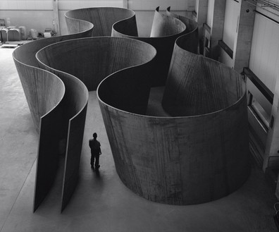 Richard Serra, Inside Out, 2013 Weatherproof steel, overall: 13 feet 2 inches × 80 feet 9 inches × 40 feet 2 ½ inches (4 × 24.6 × 12.3 m), plates: 2 inches (5 cm) thick© 2018 Richard Serra/Artists Rights Society (ARS), New York. Photo: Lorenz Kienzle