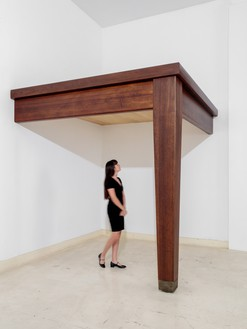 Robert Therrien, No title (table leg), 2010 Wood and metal, 106 × 103 ½ × 109 inches (269.2 × 262.9 × 276.9 cm)© Robert Therrien/Artists Rights Society (ARS), New York