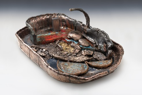 Sterling Ruby, Basin Theology/STYX BOAT, 2017 Ceramic, 26 × 46 × 74 inches (66 × 116.8 × 188 cm)© Sterling Ruby