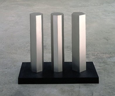 Walter De Maria, 5-7-9 SERIES: Variation 7-9-5, 1992 Solid stainless steel on granite, 21 ⅝ × 12 × 26 ¾ inches (55 × 30.5 × 68 cm)