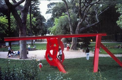Mark Di Suvero, Aesop, 1990 Steel, 137 × 388 ½ × 90 inches (348 × 986.8 × 228.6 cm)
