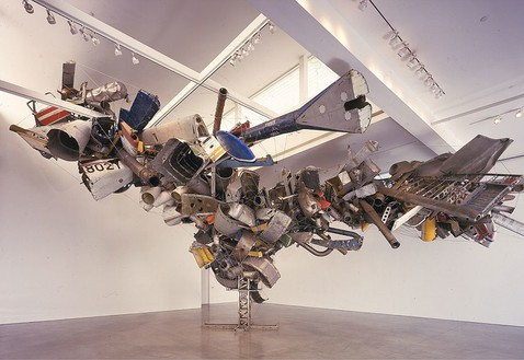 Nancy Rubins, Chas' Stainless Steel, Mark Thompson's Airplane Parts, About 1,000 Pounds of Stainless Steel Wire, at Gagosian's Beverly Hills Space, 2001 Stainless steel and airplane parts, 25 × 54 × 33 feet (7.6 × 16.5 × 10 m)© Nancy Rubins, photo by Douglas M. Parker Studio