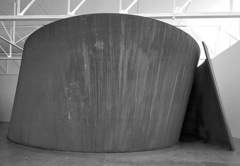 "Richard Serra, Sylvester, 2001 Torqued Spiral, weatherproof steel, plate thickness: 2"", 163 × 492 × 380 inches, (4.1 × 12.5 × 9.7 m)© Richard Serra"
