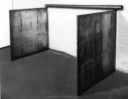 Richard Serra, No. 5, 1969 Lead antimony, 2 plates: 48 × 48 inches each (122 × 122 cm), Pole: 7 feet (213 cm), 3 ½ inches in diameter (9cm). Private collection