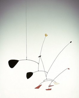 Alexander Calder, Ritou I, 1946 Painted sheet metal and wire, height: 32 inches (81.3 cm), span: 31 inches (78.7 cm)© Calder Foundation, New York/Artists Rights Society (ARS), New York. Photo: © Douglas M. Parker Studio