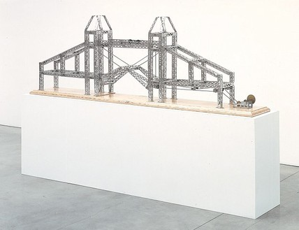 Chris Burden, Tower of London Bridge, 2003 Stainless steel reproduction Mysto Type I Erector parts and wood base, 30 × 96 × 12 inches (76.2 × 243.8 × 30.5 cm), edition of 6© Chris Burden/Licensed by The Chris Burden Estate and Artists Rights Society (ARS), New York. Photo: © Douglas M. Parker Studio