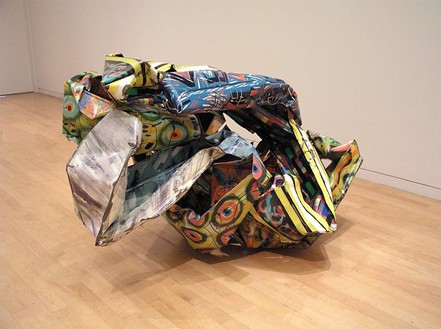 John Chamberlain, Anteambulo Quincunx, 1992 Artwork, Painted steel, 48 ⅜ × 77 × 59 inches (122.9 × 195.6 × 149.9 cm)© John Chamberlain. All rights reserved, photo by Alison McDonald