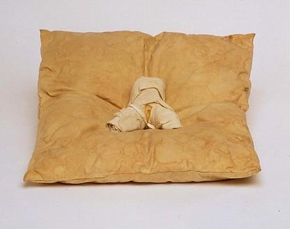 Jospeh Beuys, Jungfrau, 1952 Wax, gauze on cushion, 13 ½ × 15 × 2 ⅞ inches (34 × 38 × 7 cm)