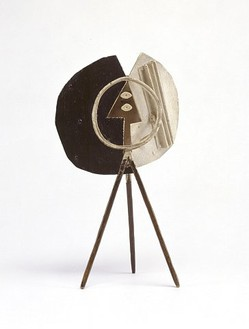 Pablo Picasso, Head, 1928 Brass and iron, painted, 7 × 4 1/3 × 3 inches (18 × 11 × 7.5 cm)© ARS