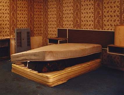 Taryn Simon, Larry Mayes; Scene of arrest, The Royal Inn, Gary, Indiana; Police found Mayes hiding beneath a mattress in this room; Served 18.5 years of an 80-year sentence for Rape, Robbery, and Unlawful Deviate Conduct, from the series The Innocents, 2002 Chromogenic print, 31 × 40 inches (78.7 × 101.6 cm) or 48 × 62 inches (121.9 × 157.5 cm), both edition of 5 + 2 AP© Taryn Simon
