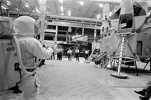 Neil Armstrong using the Lunar Equipment Conveyor (LEC) to send a mock-up of a rock box up to the cabin, April 5 or 18, 1969 Photo: courtesy NASA; scan: courtesy NASA Johnson