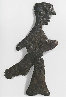 Pablo Picasso, Homme Courant, 1960 Bronze, 45 ½ × 24 × 2 inches (115.6 × 61 × 5.1 cm)