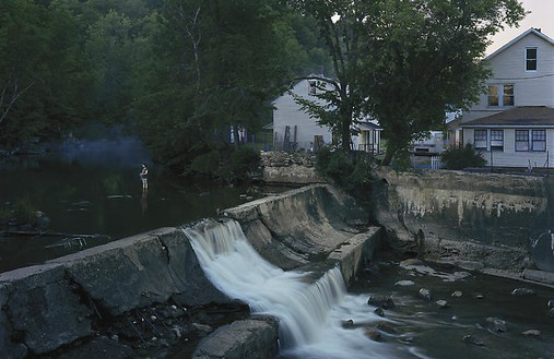 Gregory Crewdson, Untitled, summer 2007 Digital pigment print, framed: 58 ½ × 89 ½ inches (148.6 × 227.3 cm), edition of 6© Gregory Crewdson