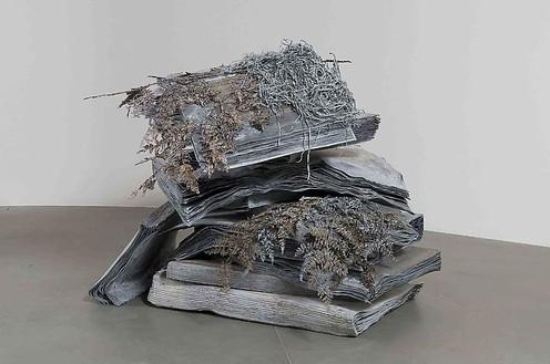 Anselm Kiefer, Geheimnis der Farne, 2008 Lead and resin ferns, 55 × 78 ¾ × 78 ¾ inches (140 × 200 × 200 cm)