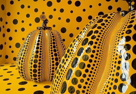 Yayoi Kusama Installation view, photo by Rob McKeever
