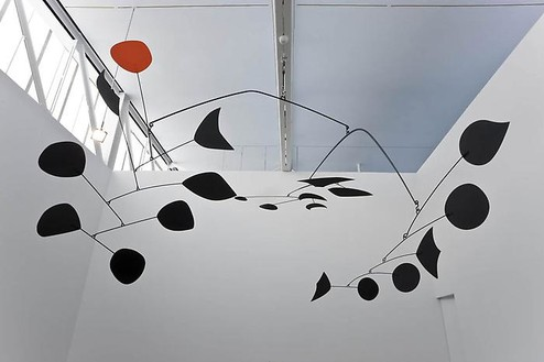 Alexander Calder, Rouge Triomphant (Triumphant Red), 1959–63 Sheet metal, rod, and paint, 110 × 230 × 180 inches (279.4 × 584.2 × 457.2cm)