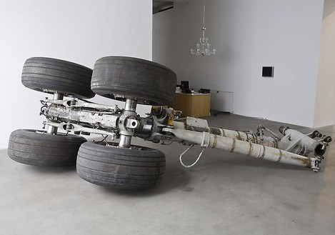Adam McEwen, Honda Teen Facial, 2010 Boeing 747 undercarriage, approx. 138 × 118 × 72 inches (3.5 × 3 × 1.8 m)