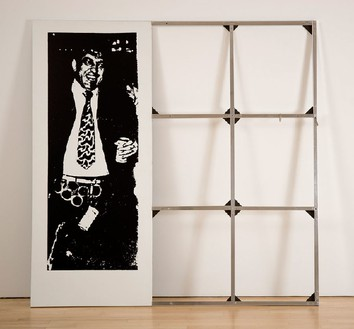 Cady Noland, CLIP-ON MAN, 1989 Silkscreen on aluminum with aluminum tubing, 61 × 61 inches (154.9 × 154.9 cm)