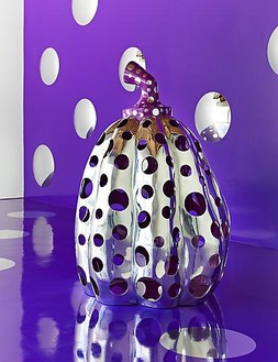 Yayoi Kusama, Reach Up to the Universe, Dotted Pumpkin, 2010 Aluminum, paint, 78 ¾ × 59 × 59 inches (200 × 150 × 150 cm)Photo by Douglas M. Parker Studio