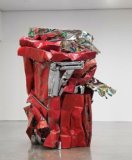 John Chamberlain, TAMBOURINEFRAPPE, 2010 Painted and chrome-plated steel, 116 ¾ × 90 × 86 ½ inches (296.5 × 228.6 × 219.7 cm)© Fairweather & Fairweather LTD/Artists Rights Society (ARS), New York