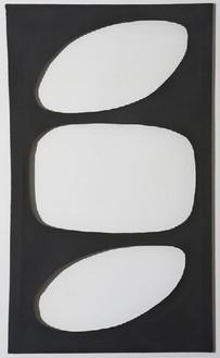 Dadamaino, Volume, 1958 Tempera on canvas, 47 3/16 × 27 ⅝ inches (120 × 70 cm)
