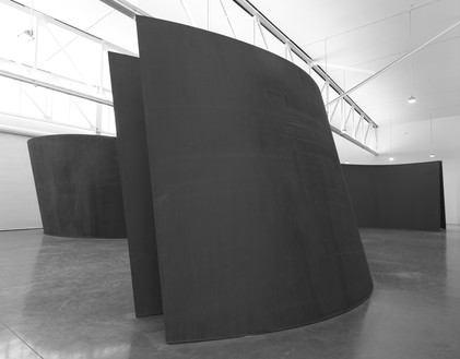 Installation view Artwork © Richard Serra/Artists Rights Society (ARS), New York. Photo: Rob McKeever