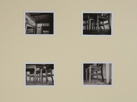 Robert Therrien, No title (Under the table shots I), 1991–92 Four black and white Polaroids, 3 ½ × 4 ¼ inches each (8.9 × 10.8 cm)© Robert Therrien, photo by Josh White
