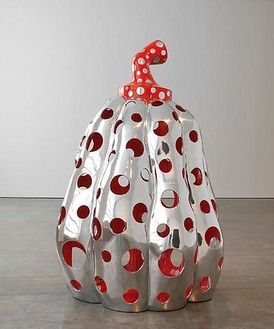Yayoi Kusama, Reach Up to the Universe, Dotted Pumpkin, 2010 Aluminum, paint, 78 ¾ × 59 × 59 inches (200 × 150 x150cm)