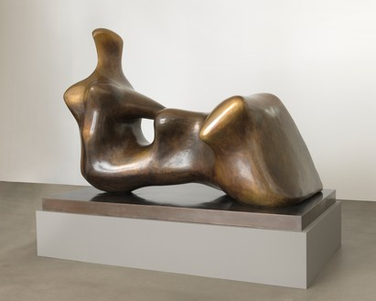 Henry Moore, Reclining Figure: Hand, 1979 Bronze, 64 ⅝ × 90 ⅝ × 52 inches (164 × 230 × 132 cm), edition of 9Reproduced by permission of the Henry Moore Foundation. Photo: Mike Bruce