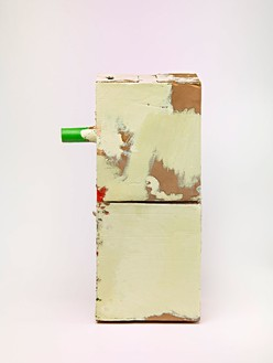 Mark Grotjahn, Untitled (Green Eyes and Orange Cream Mask M6/7.f), 2012 Painted bronze, 27 ¾ × 10 ⅜ × 16 ½ inches (70.5 × 26.4 × 41.9 cm)© Mark Grotjahn