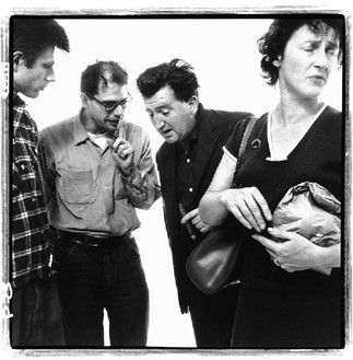 Richard Avedon, Allen Ginsberg and Peter Orlovsky with Brendan Behan and Beatrice ffrench-Salkeld, poets, playwright, and painter, New York, September 28, 1960, 1960 © The Richard Avedon Foundation