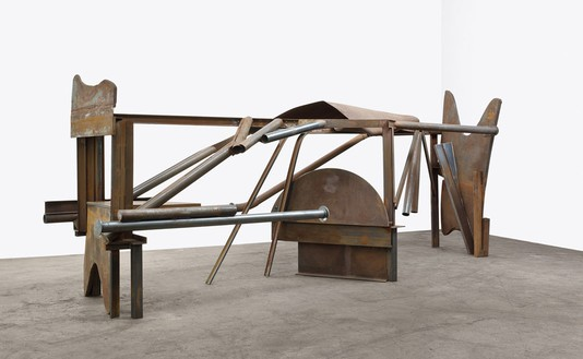 Anthony Caro, Wandering, 2012 Steel, rusted, 103 ⅛ × 311 × 68 ⅛ inches (262 × 790 × 173 cm)© Barford Sculptures Ltd, photo by John Hammond