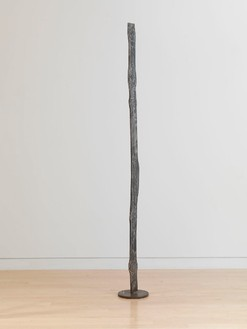 David Smith, Forging VI, 1955 Varnished steel, 79 ¼ × 9 × 9 inches (201.3 × 22.9 × 22.9 cm)© The Estate of David Smith/Licensed by VAGA, New York, photo by Rob McKeever